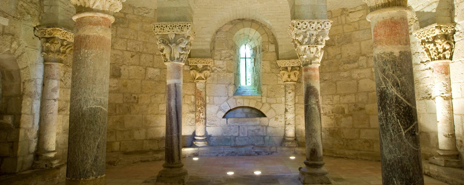 Inside the crypt of St Girons - © PACT/ Anne Lanta