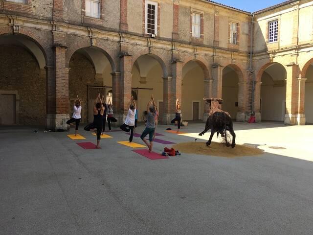 Cours de yoga - cloître des Jacobins, Saint-Sever