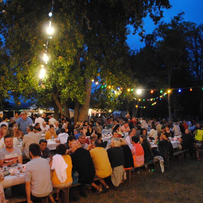 Marché des Producteurs de Pays, parc de Chantilly à la nuit tombée
